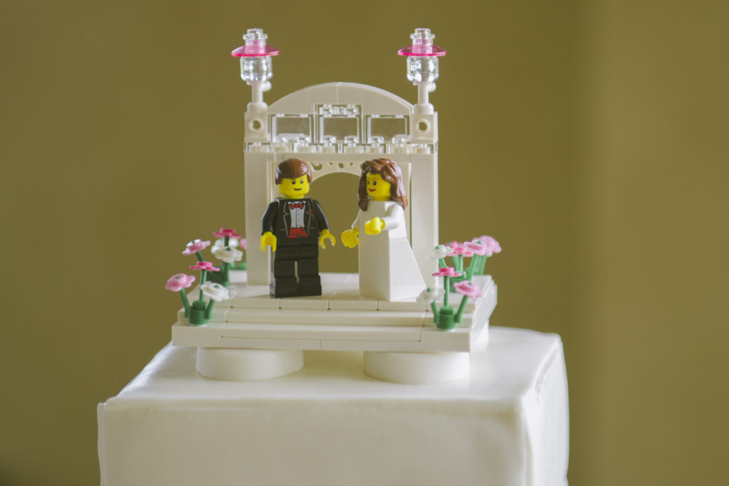 5 Unique Cake Topper Ideas